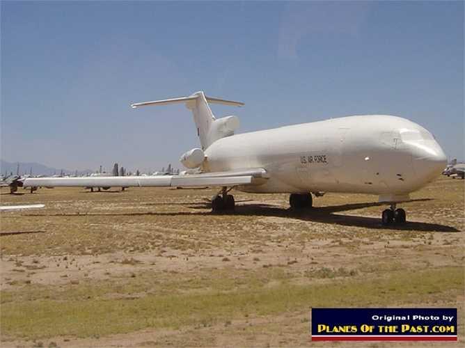 Hàng năm Mỹ cho nghỉ hưu nhiều máy bay và đây là nơi tập kết của chúng. Các loại máy bay được phân loại và xếp hàng gọn gàng ở đây