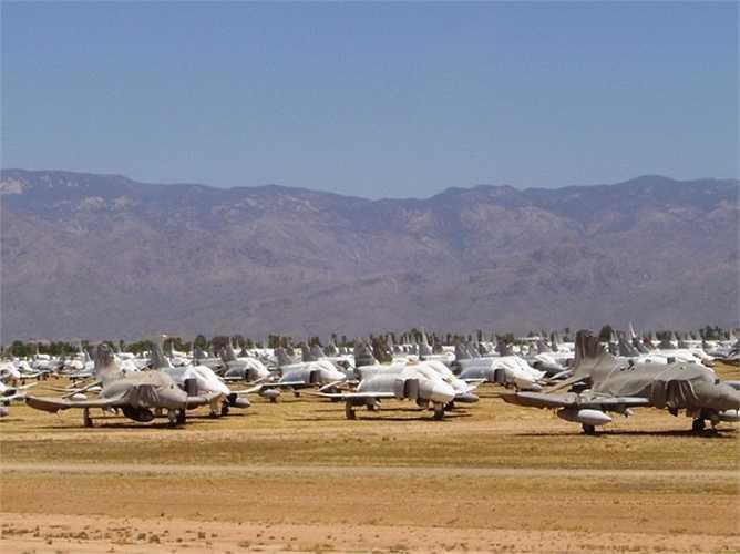 Chiến đấu cơ F-4 Phantom II