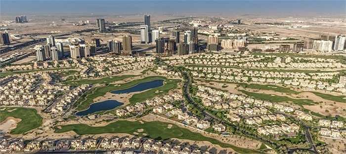 Dubai Sports City. Đúng như tên gọi của nó, khu vực này là địa điểm dành cho các sân vận động, nhà thi đấu, khu trung tâm thể thao, đặc biệt là sân golf rộng lớn và hiện đại. Giá thuê nhà ở đây 1 năm 13.982 USD