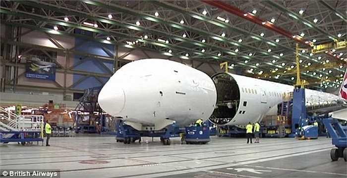 Bộ phận đầu tàu bay trước khi lắp ghép
