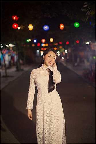 Khánh Tiên - cô gái được mọi người yêu mến gọi là hotgirl tại Vietnam Idol 2015 vừa thực hiện bộ ảnh mới tại Hội An.