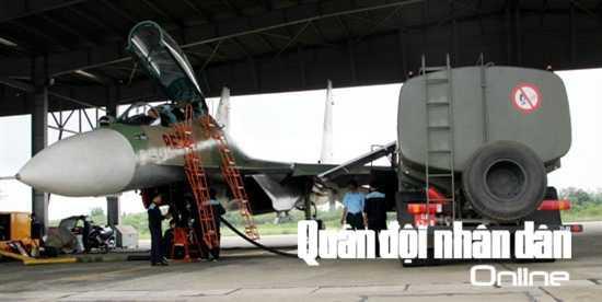 ...và nhiên liệu cho SU-30MK2