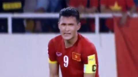 Công Vinh bật khóc vì tuyển Việt Nam tuột mất chiến thắng giây cuối cùng