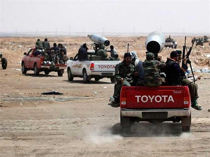 Tuy nhiên, Toyota không thể kiểm soát hoàn toàn những kênh mua bán gián tiếp hoặc bất hợp pháp, đặc biệt là các xe bị đánh cắp từ nhiều nơi để bán cho bọn khủng bố.