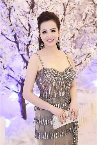 Hoa hậu Diệu Hoa đăng quang năm 1990.