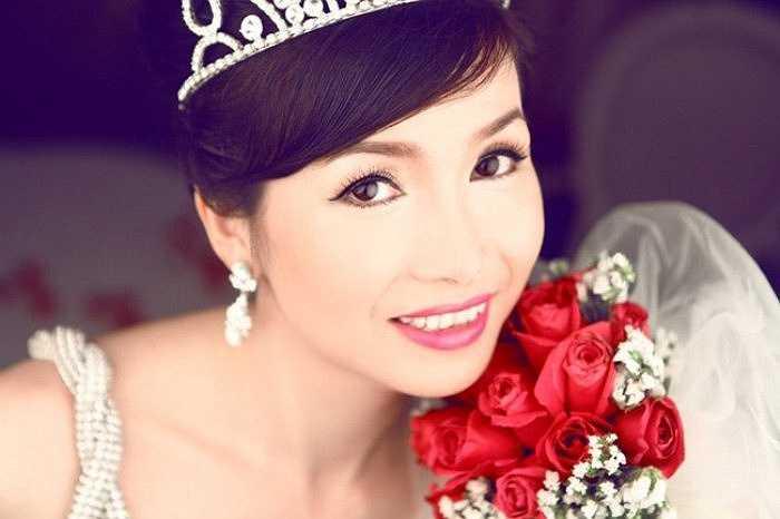 Bùi Bích Phương là hoa hậu Việt Nam đầu tiên.