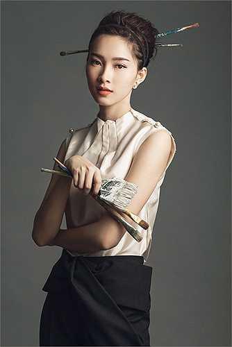 Là một trong những cái tên được truyền thông ưu ái nhất hiện nay, nhất cử, nhất động của Hoa hậu Đặng Thu Thảo đều được săn đón.
