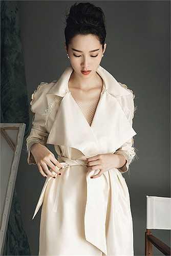 Lâm Gia Khang bắt đầu được biết đến từ Elle Fashion Show 2014, sau một năm anh trở thành một trong những nhà thiết kế được săn đón nhất của các ngôi sao