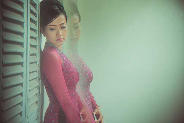 Trong nhiều sự kiện lớn, đặc biệt là các Liên hoan phim quốc tế mà Hồng Ánh tham dự, chị đều diện áo dài Lê Thanh Phương như một niềm tự hào với trang phục Việt Nam