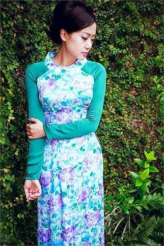 Các thiết kế mà Hồng Ánh diện cũng nằm trong bộ sưu tập mới Lê Thanh Phương đưa qua Mỹ trình diễn trong thời gian này.