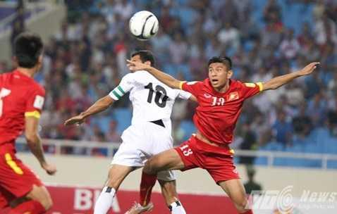 Hậu vệ ĐT Việt Nam chơi lăn xả ở trận này
