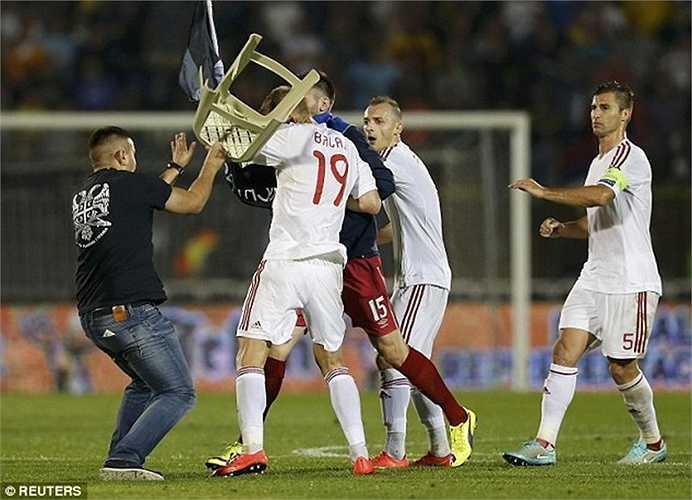 Tình trạng căng thẳng khiến trận đấu này bị hủy bỏ và Serbia bị xử thua 0-3 sau đó