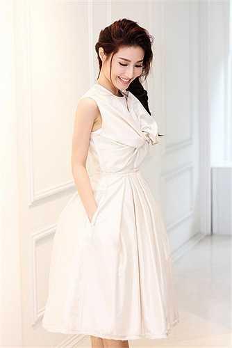 Lâm Gia Khang bắt đầu được biết đến từ Elle Fashion Show 2014, sau một năm anh trở thành một trong những nhà thiết kế được săn đón nhất của các ngôi sao.