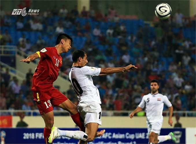 Tiến Duy chơi trọn 90 phút ngay trận đấu đầu tiên khoác áo ĐTVN. (Ảnh: Phạm Thành)