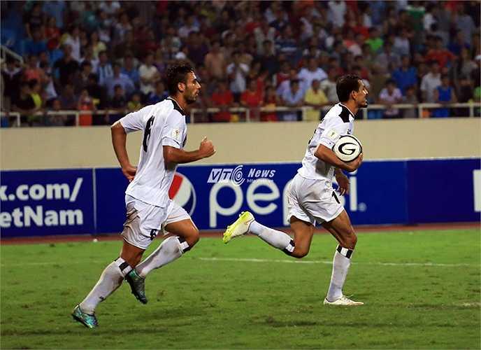 Quyết định có phần cay đắng đó giúp Iraq gỡ hòa và kết thúc trận đấu ở tỷ số 1-1.(Ảnh: Phạm Thành)