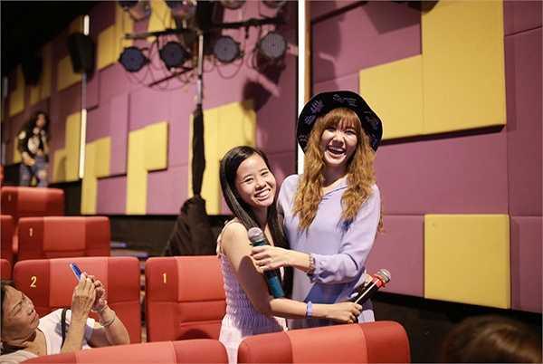 Bên cạnh Hari Won, diễn viên Chi Pu cũng quyết tâm Nam tiến để phát triển sự nghiệp nghệ thuật. Cô kể, khoảng thời gian đầu vào TP HCM sinh sống, cô gần như không quen với các món ăn miền Nam nên ăn rất ít