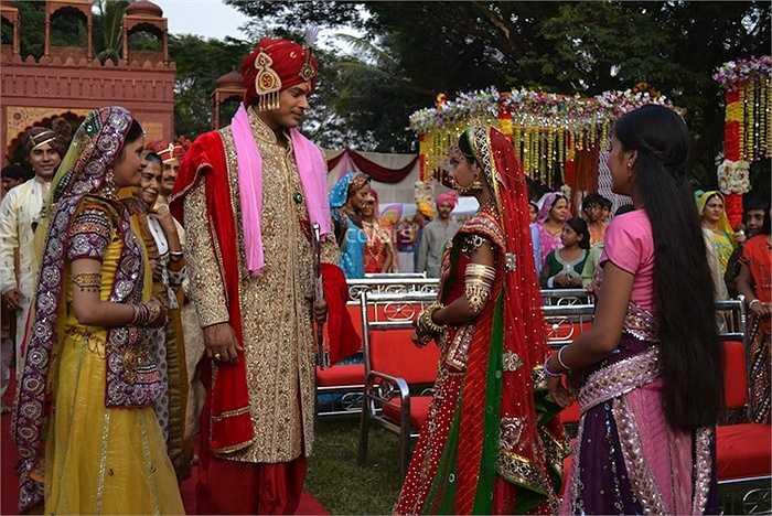 Bước sang một trang mới của cuộc đời, Anandi liệu có thật sự hạnh phúc bên người đàn ông mà gia đình chồng đã lựa chọn cho cô?