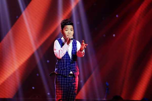 Nguyễn Trọng Tiến Quang sáng dần lên sau từng vòng thi ở The Voice Kids 2015