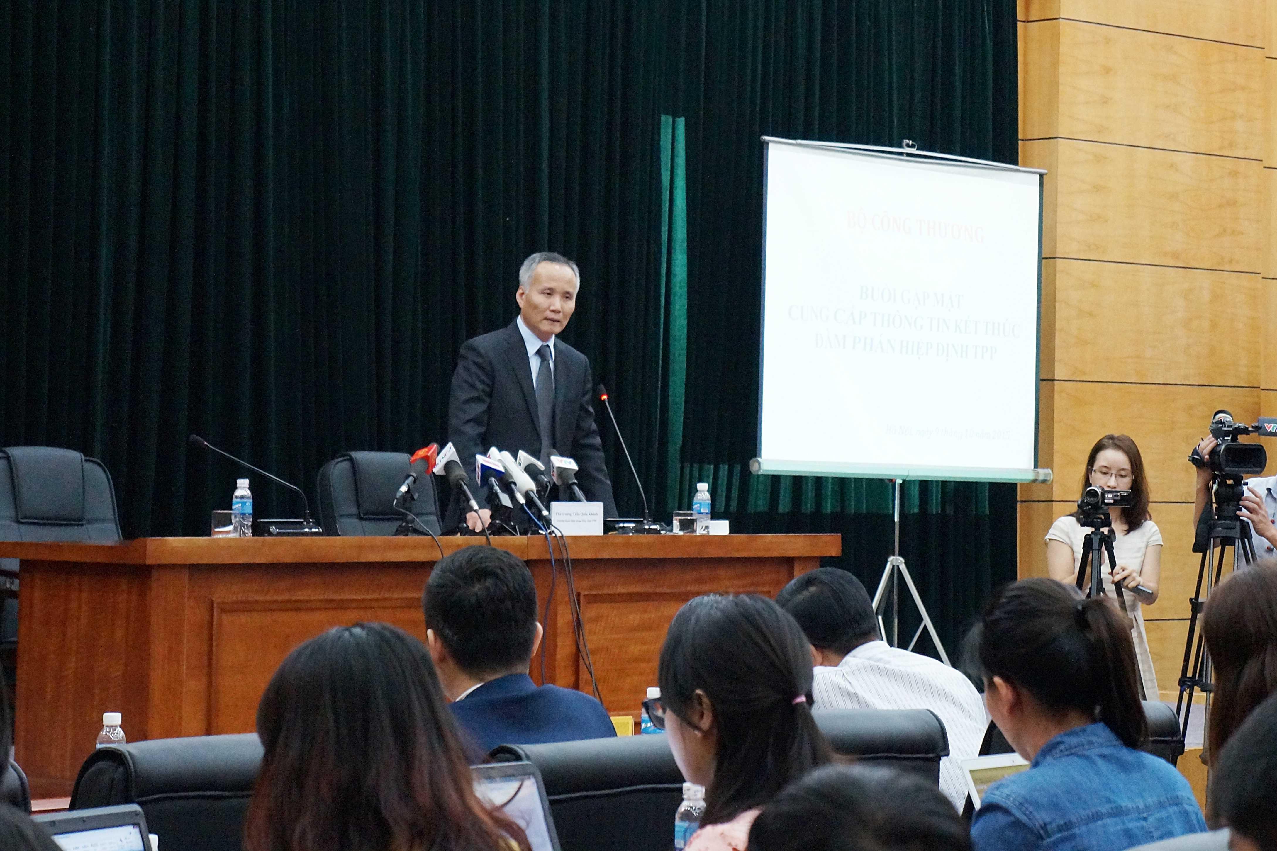Thứ trưởng Bộ Công Thương Trần Quốc Khánh trong buổi trả lời phỏng vấn báo chí chiều ngày 9/10