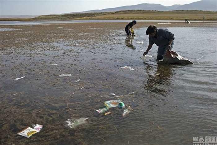 Hồ Thanh Hải là nơi thu hút nhiều du khách trong đợt nghỉ lễ Quốc khánh Trung Quốc vừa rồi