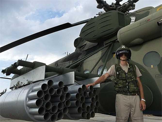 Chiếc trực thăng MI-8AMShT của Không quân Nga tại căn cứ Hmeimim, Syria