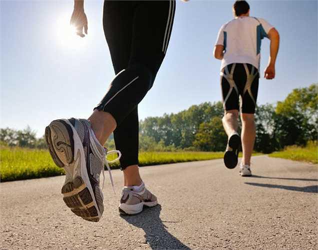 Chạy bộ: Một kỹ thuật để phát triển hoặc làm tăng sự trao đổi chất của cơ thể là chạy bộ hoặc chạy. Khi bạn chạy hoặc chạy bộ khoảng 45 phút mỗi ngày, bạn có thể đốt cháy nhiều calo, và làm tăng sự trao đổi chất của cơ thể.