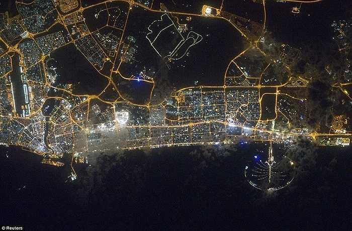 Dubai-thành phố của sự tráng lệ với những tòa nhà chọc trời, công trình ấn tượng, khách sạn xa hoa và những con đường mênh mông