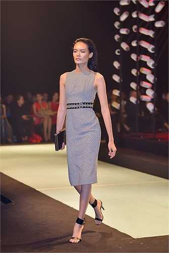 Khép lại đêm trình diễn, Khi được hỏi, 'Nữ chiến binh bóng đêm – Back to Black' liệu có khiến anh chệch hướng với tôn chỉ thiết kế cổ điển, sang trọng gắn liền với các hoa hậu hay không, Lê Thanh Hòa cho biết: