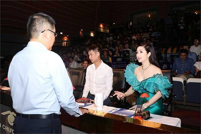 Tại đây, cô đã có dịp hội ngộ ĐD Lê Hoàng và MC Bình Minh.