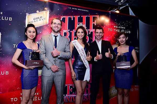 Sau đăng quang, Phạm Hương đắt show mời dự sự kiện cả trong Nam, ngoài Bắc