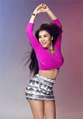 Ca khúc là một màu sắc hoàn toàn lạ lẫm cho âm nhạc Việt suốt thời gian vừa qua.