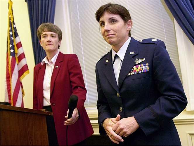 Trung tá Không quân Mỹ Marta Maksalli - nữ phi công đầu tiên tham gia các hoạt động quân sự