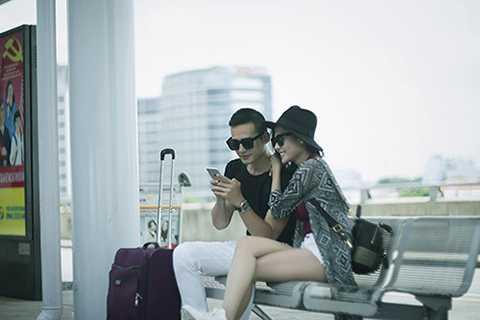 Trang phục áo dài đơn giản và rất Việt Nam sẽ là những hình ảnh chủ đạo mà cặp đôi lựa chọn cho bộ hình trên đất Mỹ.