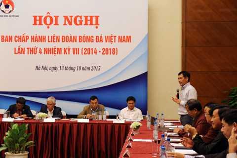 Phó Tổng cục trưởng Tổng cục TDTT Trần Đức Phấn phát biểu chỉ đạo tại Hội nghị.