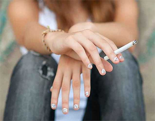 Lưỡi màu nâu: có nghĩa là bạn đang chống lại những thói quen xấu như hút thuốc và uống rượu. Lưỡi nâu này cũng gây ra hơi thở hôi hoặc mùi bất thường. Để hết lưỡi nâu bạn cần phải sử dụng cạo lưỡi hoặc bàn chải đánh răng để làm sạch nó.