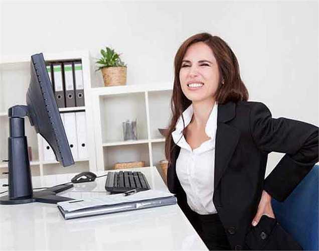 Đau lưng: Những người có công việc ít vận động thường bị đau lưng. Một số loại bài tập có thể hỗ trợ tình trạng đau lưng này. Các bài tập căng cơ có thể ngăn chặn tình trạng như vậy.