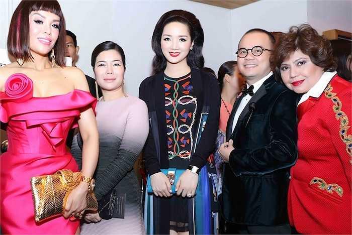 Hoa hậu Đền Hùng chuẩn bị khá kỹ lưỡng cho lần xuất hiện này bởi đây là dịp để cô với những người bạn doanh nhân của mình.