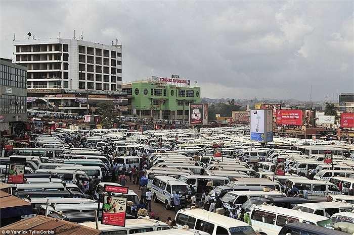Hình ảnh bãi đỗ xe ở Kampala, Uganda