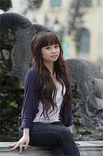 Để sở hữu một khuôn mặt xinh xắn, đáng yêu như hiện tại, Trang đã phải trải qua nhiều cuộc phẫu thuật trong 1 tháng như nâng mũi, gọt hàm V-line, độn cằm.