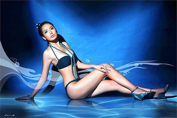 Năm 2006, Mai Phương Thúy dự thi Hoa hậu Việt Nam và lập tức trở thành tâm điểm của báo giới và ống kính máy ảnh nhờ chiều cao ấn tượng 1m79.