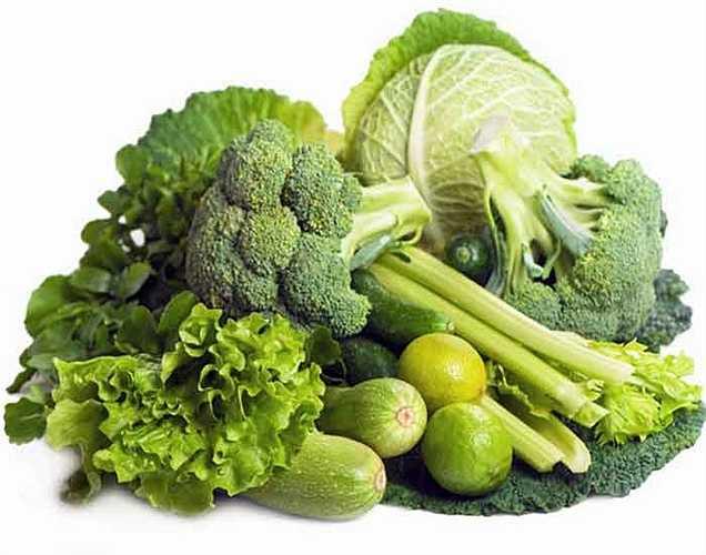 Rau lá xanh: các loại rau lá xanh chứa sắt, protein, vitamin B và C chúng rất tốt cho máu của bạn và sức khỏe tổng thể.