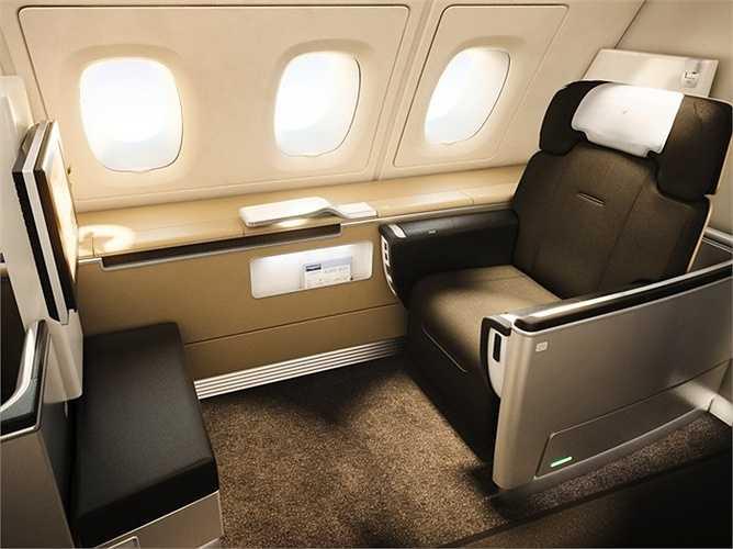 Lufthansa có ghế khoang hạng nhất có thể gập thành giường, kênh giải trí 8 ngôn ngữ, gối và chăn thoải mái khi ngủ
