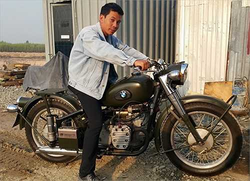 Ngoài ra, anh trai Hà Hồ cũng rất chuộng siêu xe và các loại mô tô phân khối lớn.