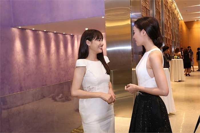 Mặc những tin đồn về mối quan hệ giữa Trường Giang và Lan Ngọc, cả hai đều tỏ ra rất thân thiết.