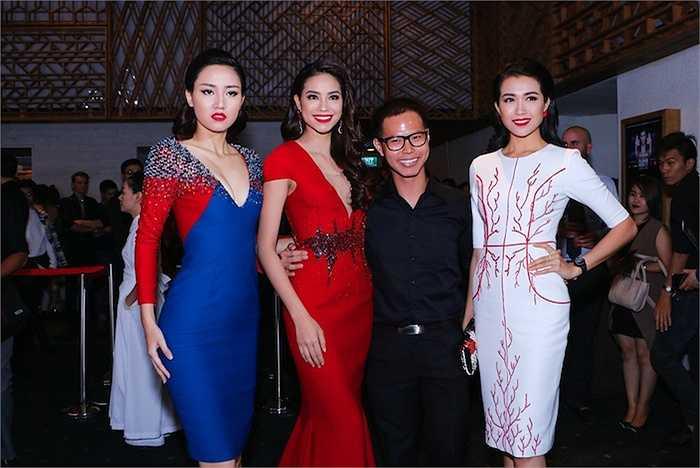 Top 3 Hoa hậu Hoàn vũ Việt Nam 2015 gồm Hoa hậu Phạm Hương và hai Á hậu Ngô Trà My, Lệ Hằng vừa đến dự show thời trang của NTK Vincent Đoàn trong khuôn khổ tuần lễ thời trang VNIF 2015.