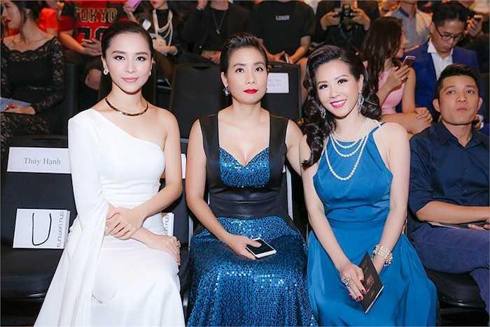 Cùng với Thiên Lý, Hoa hậu Thu Hoài là hai trong số những khách mời đặc biệt của Nhà thiết kế Vincent Đoàn trong show diễn tối 15/10 vừa qua.