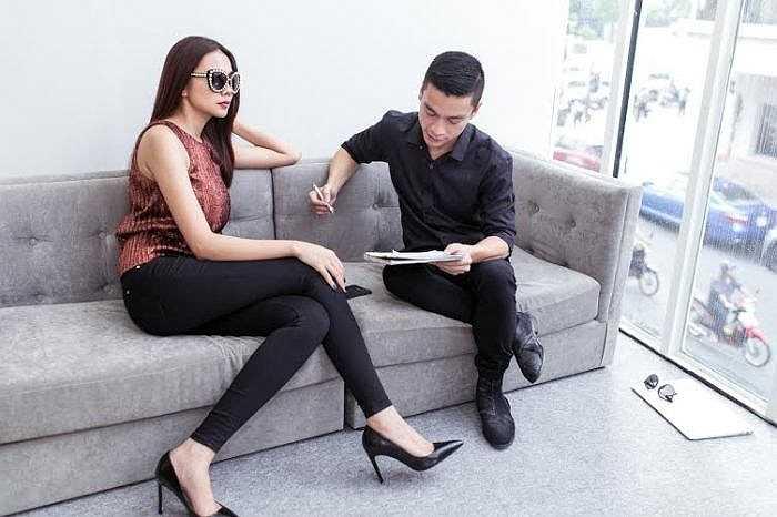 Cả hai kỳ vọng sẽ tạo được ấn tượng khó quên với những người yêu thời trang và mến mộ phong cách của Adrian Anh Tuấn.