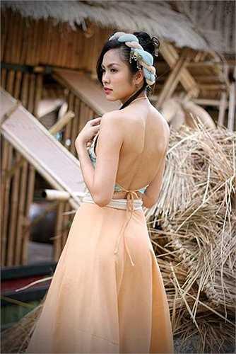 Tăng Thanh Hà nổi tiếng là người đẹp 'mình hạc xương mai' của màn ảnh Việt.