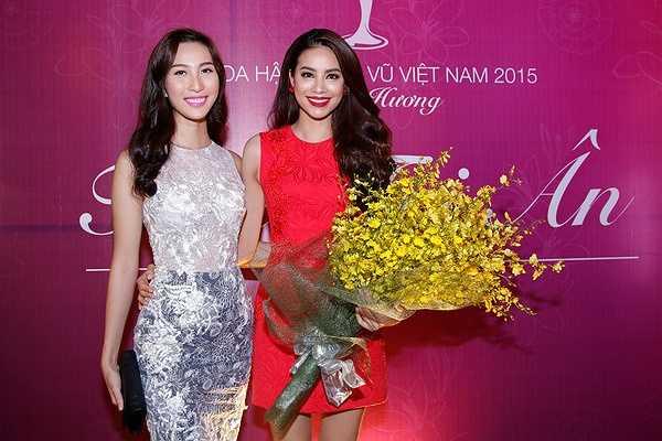 Vừa qua, hoa hậu hoàn vũ Việt Nam 2015 Phạm Hương đã có buổi gặp mật thân thiết cùng bạn bè, người thân