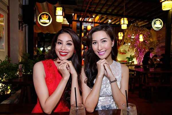Đây là buổi tiệc do người thân của Phạm Hương tổ chức để gặp gỡ bạn bè, thầy cô cũng như gia đình sau khi đăng quang.
